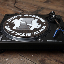 NTS DARK TURNTABLE SLIPMAT